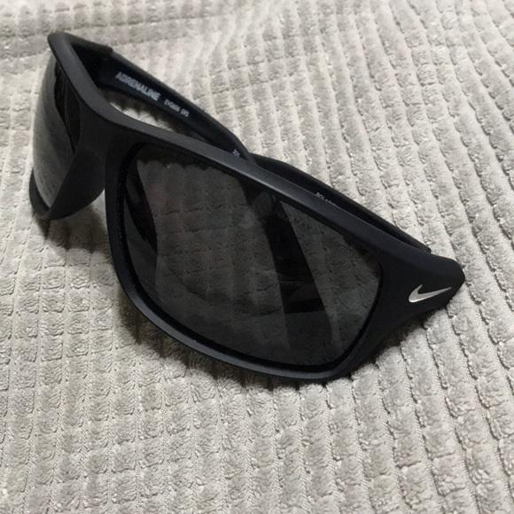 e839468c19 Nike Polarized adrenaline matte black sunglasses. M 5b99d4e0194dadce3bc10508